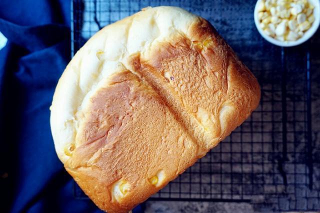用面包机做出来的懒人玉米面包,超好吃!